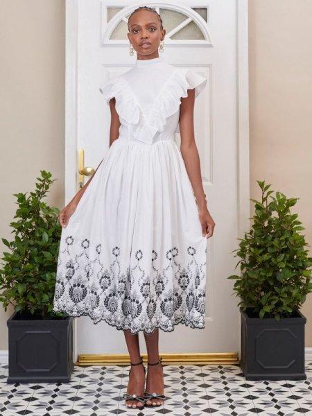 画像1: 【DREAM SISTER JANE】Ernest Embroidered Scallop Midi Dress/スキャロップヘム刺繍ドレス [White x Black] (1)