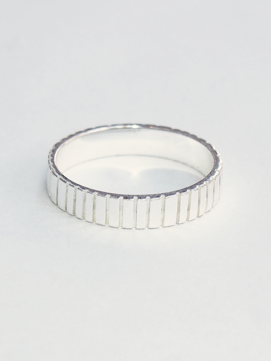画像1: ★60%OFF★【Erika Pena】Gitana Thin Stack Lines Ring / ラインリング[Silver / 6、7、8号] (1)