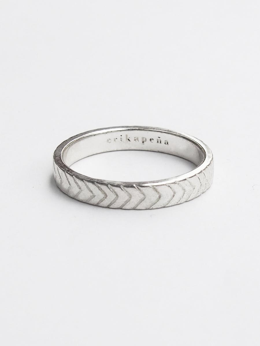画像1: ★60%OFF★【Erika Pena 】Gitana Thin Stack Micol Rings / パターンリング[Silver / 6、7、8号] (1)