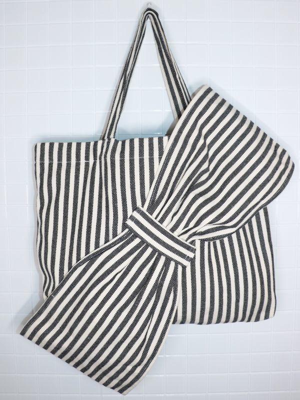 画像1: 【Methodology】Lima Bag / BIG BOWオーバーサイズストライプトートバッグ[Black Stripe] (1)