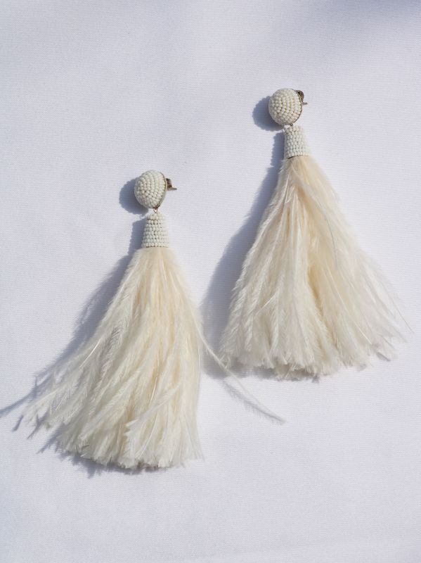 画像1: 再入荷【SUZANNA DAI】Feather Tassel Earring / フェザータッセルピアス[Ivory] (1)