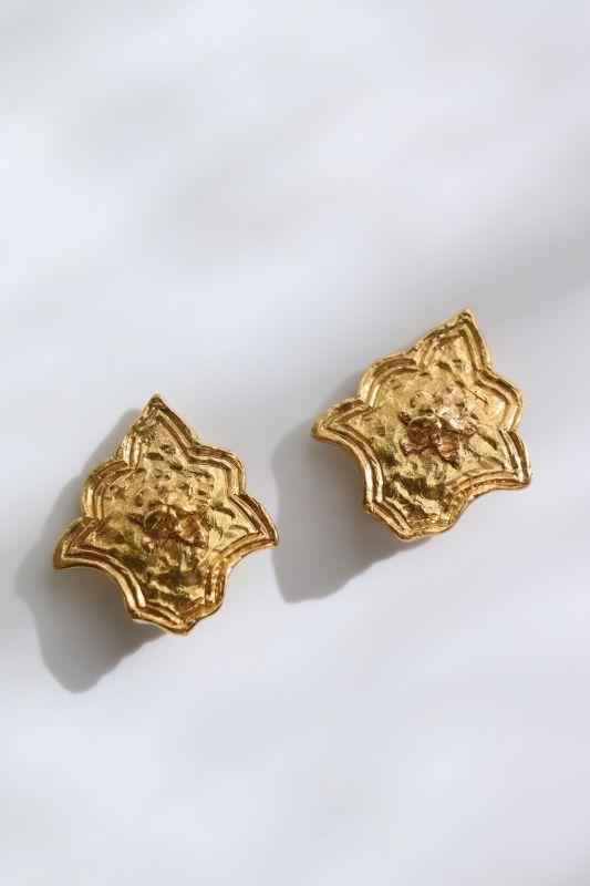 画像1: <VINTAGE>【Scherrer】MEDAL CLIP EARRING [Gold] (1)