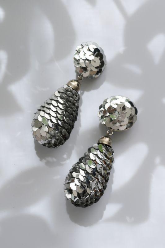 画像1: <70'S VINTAGE> SEQUINS DISCO EARRING [Silver] (1)