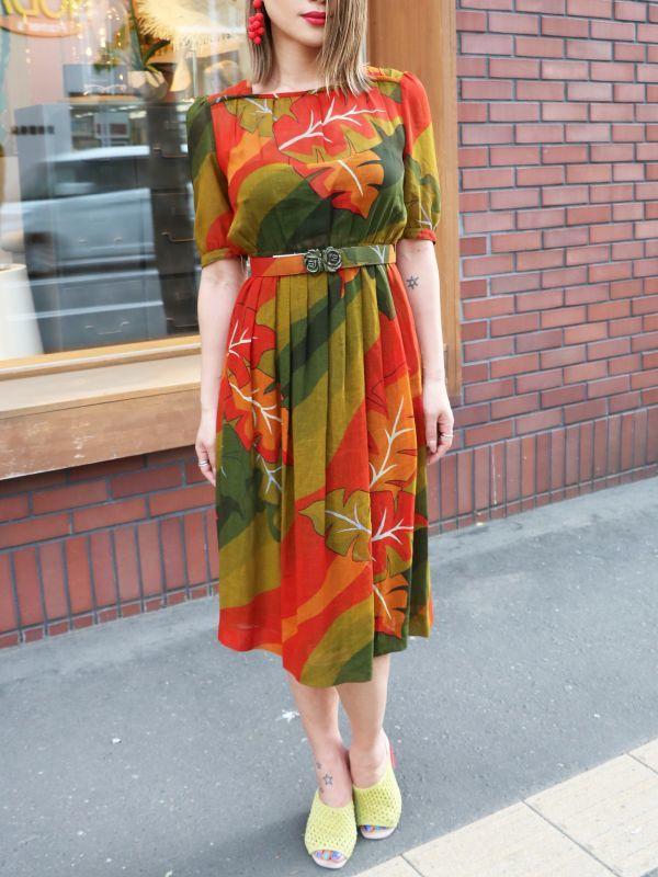 画像1: ★50%OFF★【Vintage】ベルト付きリーフワンピース [Red /Orange/Green] (1)